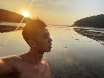 自拍 日落 海边