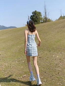 CL分享穿搭 少女心雾霾蓝方格吊带连衣裙