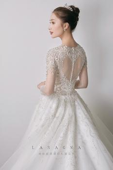 纳纱妮娅婚纱设计
