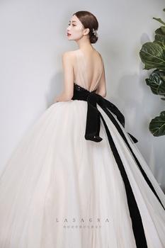 纳纱妮娅婚纱设计 黑天鹅
