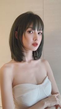 初恋发型 染发 青棕色